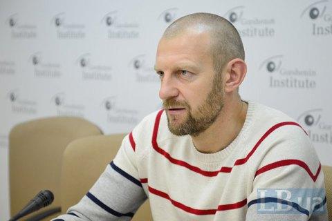 За информационной кампанией против Яценюка стоит Россия, - Тетерук