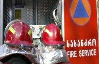 В Тбилиси 10 человек отравились дымом во время пожара