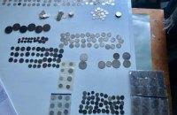 Українець намагався вивезти до Польщі велику партію старовинних монет
