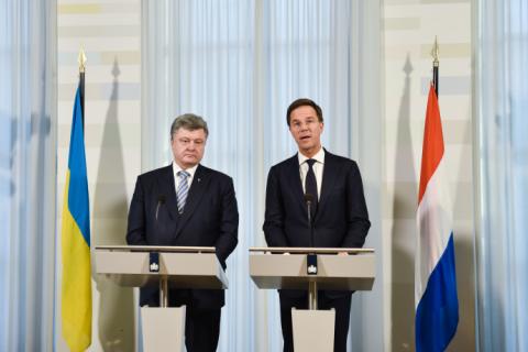 Порошенко договорился о встрече с премьером Нидерландов в октябре
