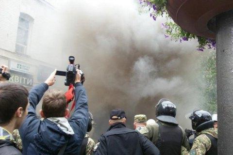 При столкновениях вДень Победы вгосударстве Украина пострадали двое полицейских— МВД
