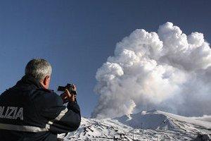 Сицилийский вулкан Этна возобновил свою активность