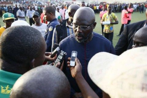 51-летний президент Либерии отыграл 79 минут за свою сборную в футбольном матче против Нигерии (обновлено)