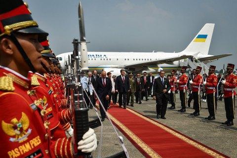 Порошенко прибув з робочим візитом в Індонезію
