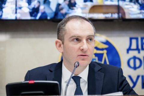 СБУ прийшла з обшуком до колишнього глави Податкової служби Верланова