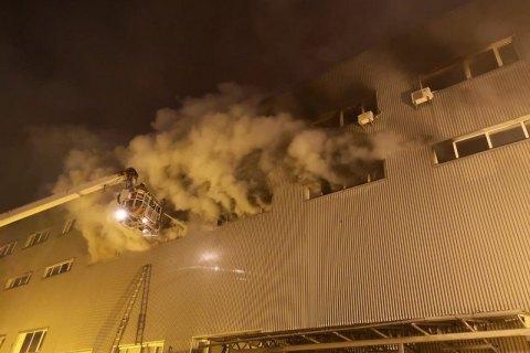На складах в Киеве потушили пожар (обновлено)
