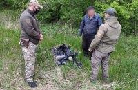 На Луганщині затримали двох чоловіків із 2 тисячами рапір для фехтування
