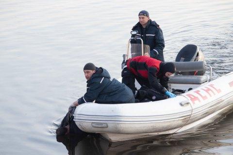 У Дніпрі двоє хлопців побили і скинули у воду чоловіка, щоб зняти це на телефон