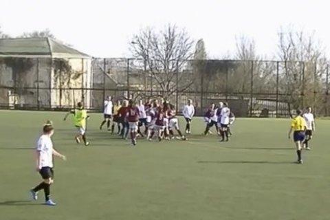 Матч украинской Премьер-лиги среди женщин завершился массовой дракой футболисток