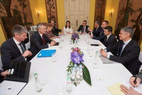 """НАТО """"не имеет отношения к Украине"""" и не должно вмешиваться в переговорный процесс - Лавров"""