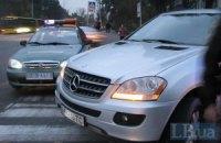 В Киеве Merecedes сбил женщину на пешеходном переходе