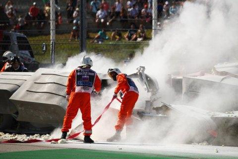 В Формуле-2 гонка была завершена досрочно из-за страшной аварии