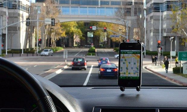 Так приложение Streetline віглядит на смартфоне водителя