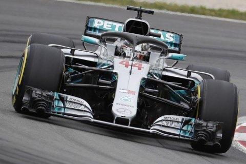 Первую европейскую квалификацию сезона в«Формуле-1» одержал победу Льюис Хэмилтон