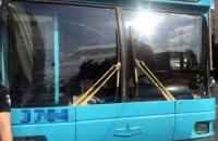 У київському тролейбусі чоловік поранив з пістолета двох пасажирів (оновлено)