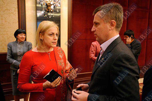 Валентин Наливайченко и Лариса Мудрак, заместитель главы Нацсовета Украины по вопросам телевидения и радиовещания