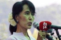 В Мьянме лидер оппозиции прошла в парламент