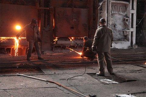 """Из-за дефицита вагонов Украина в 2016 году не выплавила 3 млн тонн стали, - президент """"Укрметаллургпром"""""""