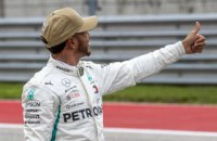 """Гамільтон виграв кваліфікацію Гран-прі США, менш ніж на десяту секунди випередивши двох гонщиків """"Феррарі"""""""