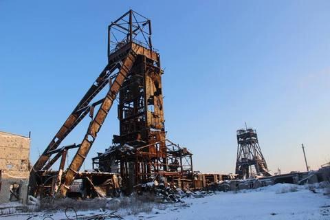 """У районі шахти """"Бутівка"""" загинув військовий, ще двох поранено"""