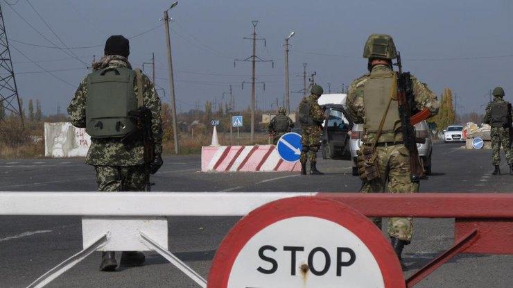 КПП Майорск, который недавно был обстрелян боевиками