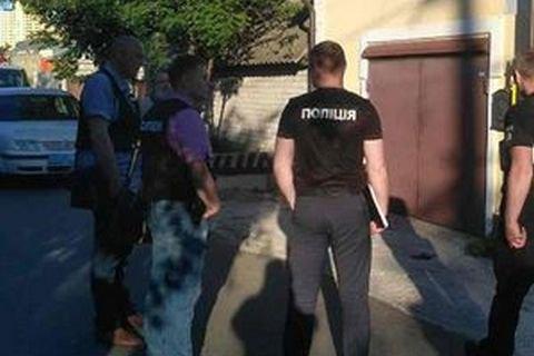 УКиєві удворі приватного будинку стався вибух: Гранатою пошкоджено гараж