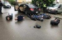 У Броварах сталася стрілянина, затримали 10 озброєних осіб (оновлено)