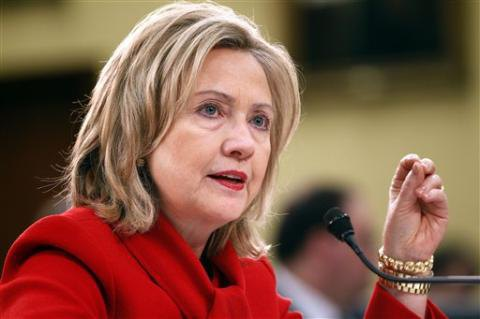 """Клінтон закликала Вашингтон бути """"набагато розумнішим"""" у відносинах з Путіним"""