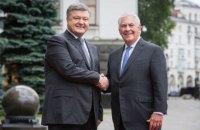 Порошенко обсудил с Тиллерсоном размещение миссии ООН на Донбассе