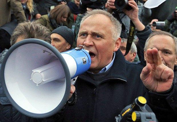 Николай Статкевич во время митинга оппозиции в Минске,10 сентября 2015 г