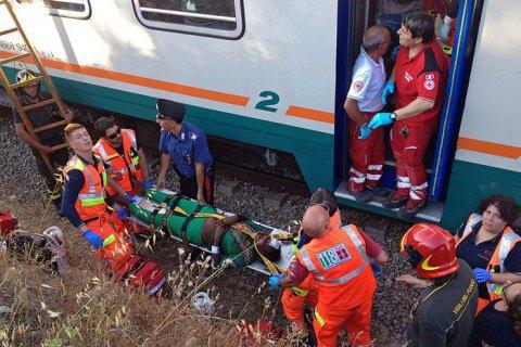 Під час зіткнення поїздів в Італії постраждали 10 осіб
