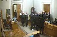 З'явилося відео конфлікту Тетерука і Кужель з камер спостереження