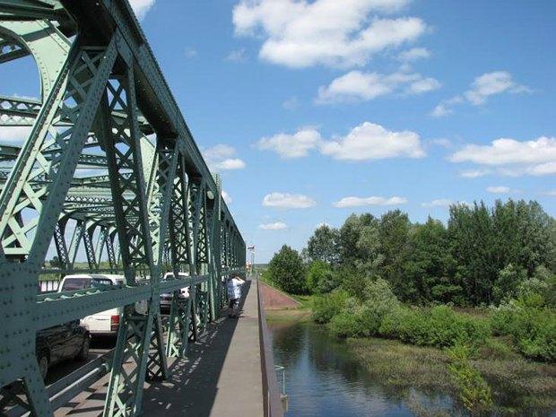 Мост через Западный Буг в сторону польской таможни, Устилуг, Волынская обл