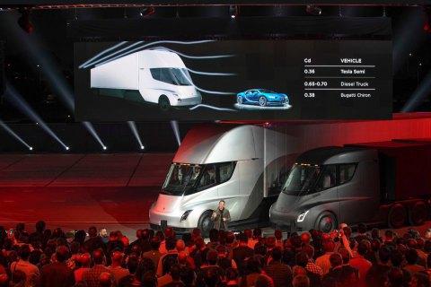 Tesla презентувала свою першу електровантажівку