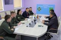 Німеччина передала українським прикордонникам обладнання для перевірки документів
