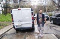 У Києві обстріляли робітників, які фрезирували асфальт, одного поранено (оновлено)