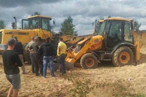У Рівненській області двох дітей засипало піском у кар'єрі (оновлено)