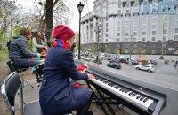 Возле Кабмина прошел пятый митинг-концерт против застройки Сенного рынка