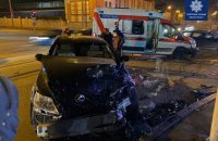 """В Одессе """"скорая"""" столкнулась с Lexus и перевернулась"""