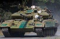 Боевики возобновили обстрелы из танков