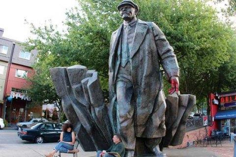 Мер Сіетла зажадав демонтувати пам'ятник Леніну і меморіал військ Конфедерації