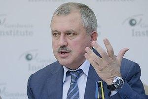 Троє українських офіцерів із Криму прибули в Київ, - заступник голови АП