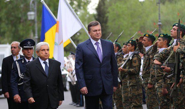 Виктор Янукович борется с бегством капитала на Кипр