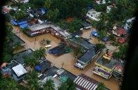 В Индии жертвами наводнений, непрекращающихся уже третий месяц, стали более 350 человек