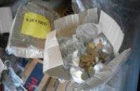 Податківці затримали фуру з 1 млн грн копійками, отриманими від продажу гумдопомоги на Донбасі
