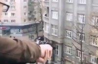 Парень из Харькова открыл стрельбу с балкона и выложил видео этого в Instagram (обновлено)