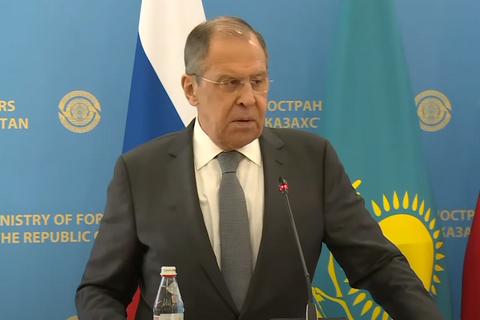 """Лавров назвав санкційну політику США проти Росії """"тупою"""""""