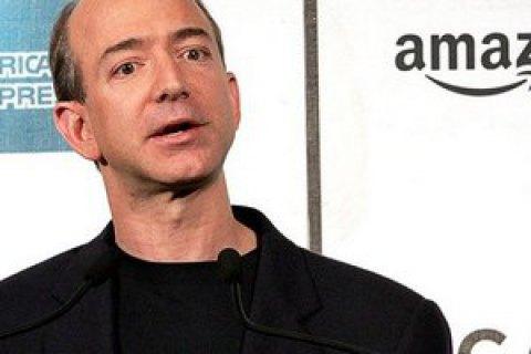 Засновник Amazon вийшов на перше місце серед найбагатших людей світу