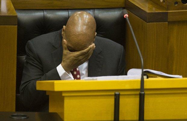 Президент ЮАР Джейкоб Зума во время сессии вопросов в парламенте, Кейптаун