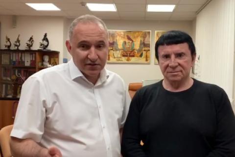 Директор Института сердца Тодуров заявил об излечении спины Кашпировским